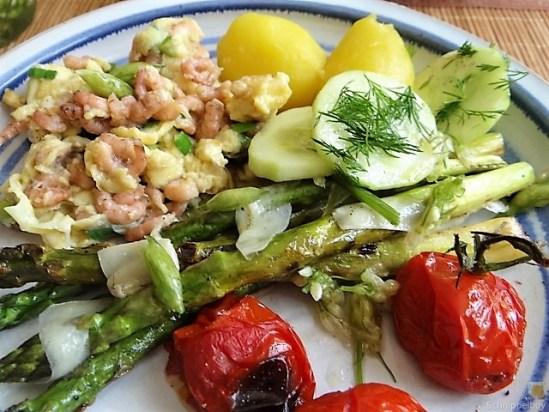 Rührei mit Krabben, Grüner Spargel und Tomaten (6)