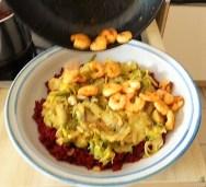 Roter Reis mit Chinakohl und Garnelen (20)