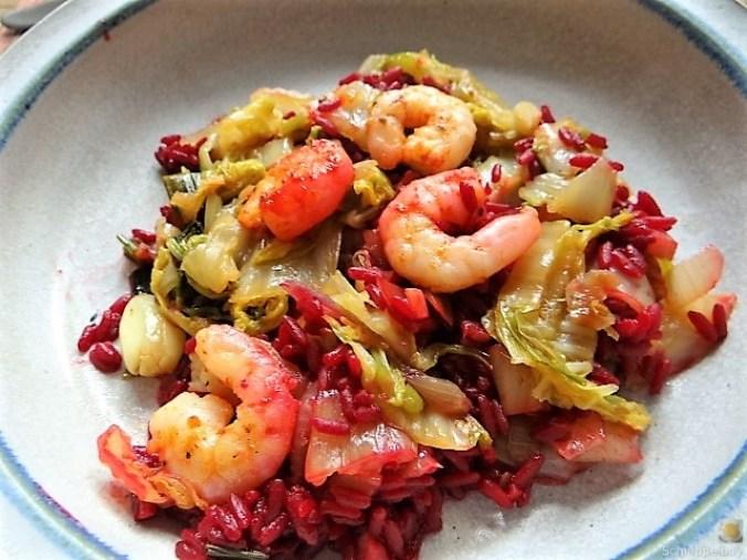 Roter Reis mit Chinakohl und Garnelen (24)