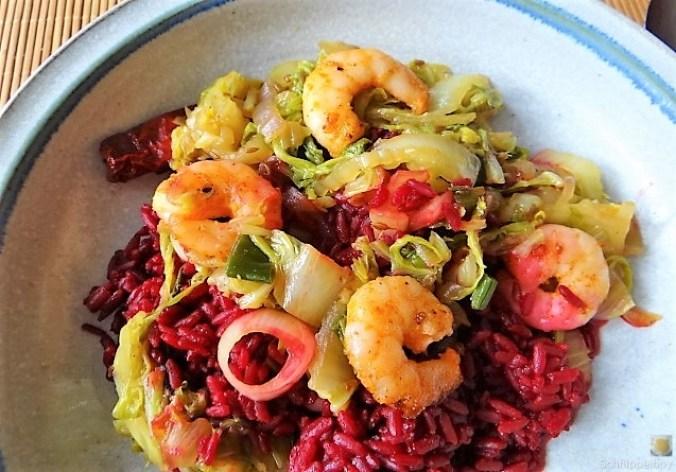Roter Reis mit Chinakohl und Garnelen (26)
