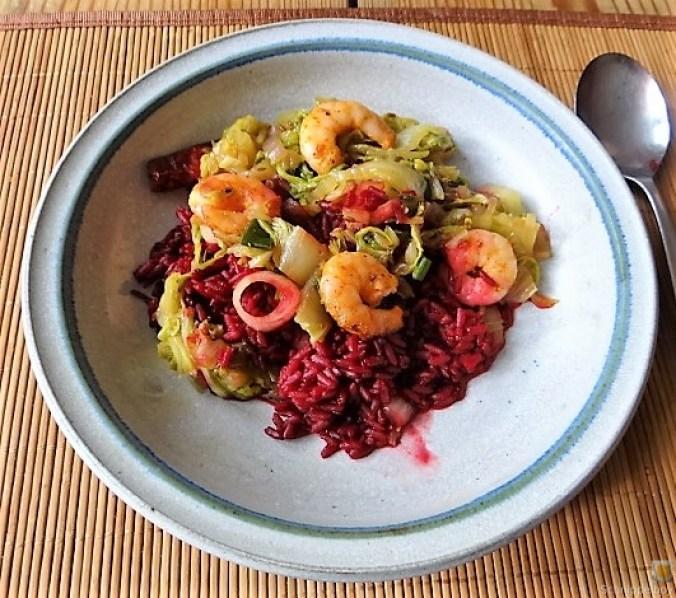 Roter Reis mit Chinakohl und Garnelen (4)