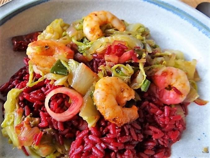 Roter Reis mit Chinakohl und Garnelen (5)