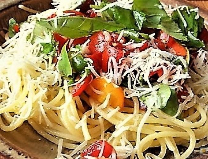 Spaghetti-Keka und Kirsch-Crumble (4b)