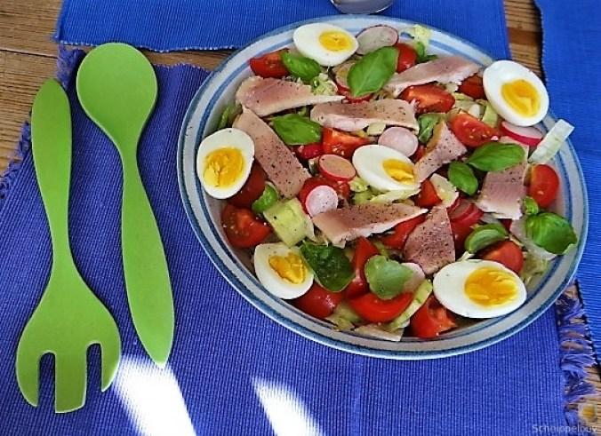 Bunter Salat mit Salat und Eiern (5)