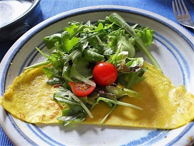 Eierpfannkuchen mit Pilz-Gemüse Füllung und Pflücksalat (30)