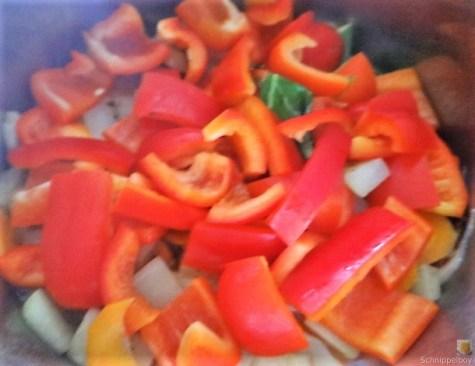 Gedämpftes Gemüse, Ernußsauce und Polenta, (20)
