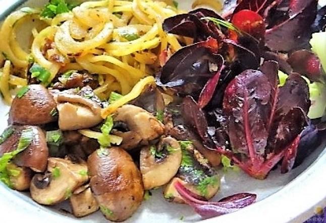 Kartoffel Zoodles und Shiitake-Champignon Pfanne (2)