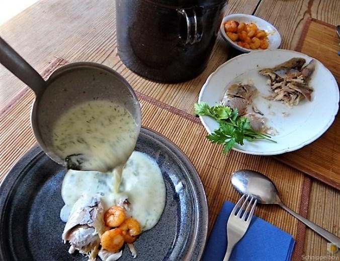 Butermilchsuppe mit geräuchertem Fisch (34)