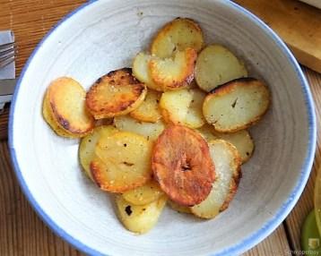 Ofen Zucchini mit Guacamole und Kloßscheiben vom Vortag (15)