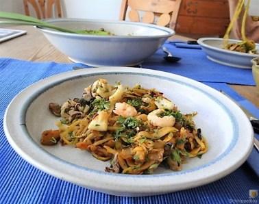 Zucchini Zoodles, Gemüse und Meeresfrüchte (18)