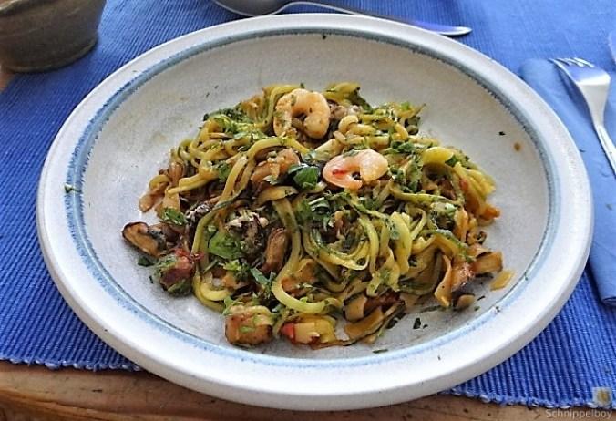 Zucchini Zoodles, Gemüse und Meeresfrüchte (3)