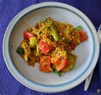 Gedünstetes Gemüse mit roten Linsen (21)