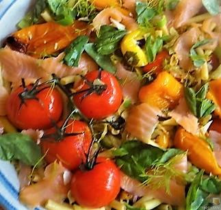 Nudel-Gemüse Pfanne mit geräuchertem Lachs (19)