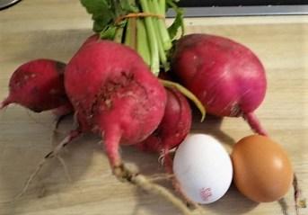 Salate und Kartoffelspalten (10)