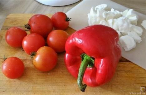 Salate und Kartoffelspalten (15)