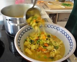 Gemüsesuppe leicht orientalisch gewürzt (16)