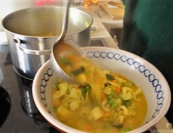 Gemüsesuppe leicht orientalisch gewürzt (17)