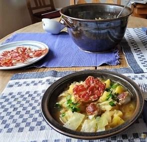 Weißkohleintopf mit Mettbällchen, Obstsalat (18)