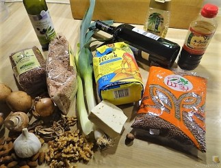 Leanders Nussbraten mit Guacamole und Feldsalat (10)