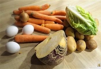 Steckrüben-Kartoffel Stampf mit versunkenen Eiern (11)