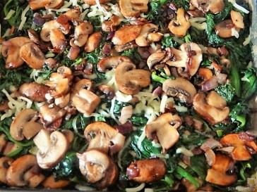 Gratinierte Pilze auf Spinat (15)