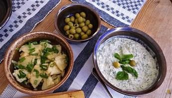 Ofenkartoffeln, Tzatziki, Salat (12)