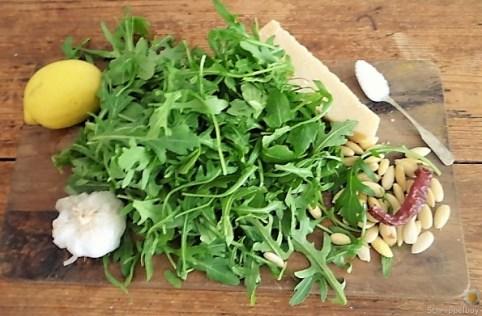 Nudeln-Lachsforelle-Gemüse und Ruccolapesto (14)