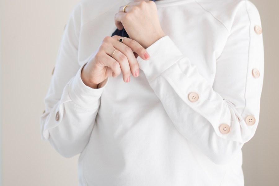 Schnittmuster Sweatshirt Wrapped Patternhack Knopfleiste an Ärmel nähen
