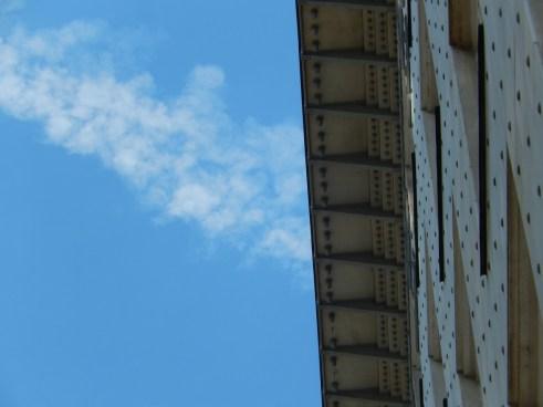 Deatil Postsparkassengebäude mit dem blauen Sommerhimmel vom 23.07.2016! Foto:schnuppe von gwinner