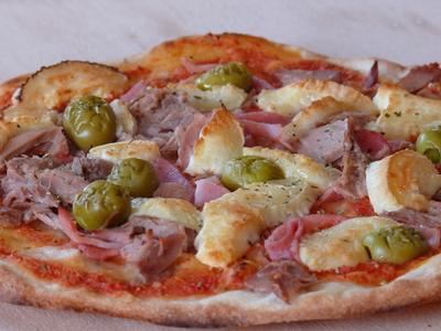 Pizza_aus_ilkas_allroundteig