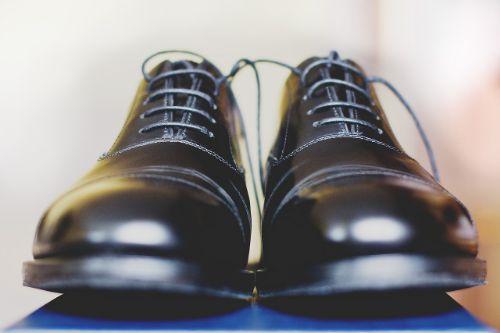 leren schoenen poetsen