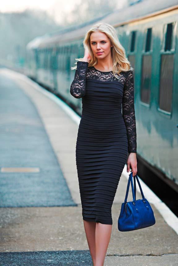 Schwarzes Kleid mit Spitze für große Frauen