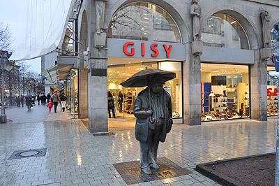 Blick auf Gisy Schuhgeschäft in Hannover