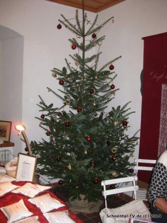 Weihnachtsbaum im Kloster Schöntal