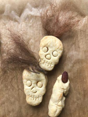 Käse Totenköpfe mit Mais Haaren