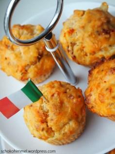 Tomate-Mozzarella-Muffins passen auch super in den Picknickkorb