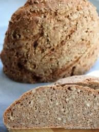 Saftiges, kräftiges Roggen-Vollkorn-Brot