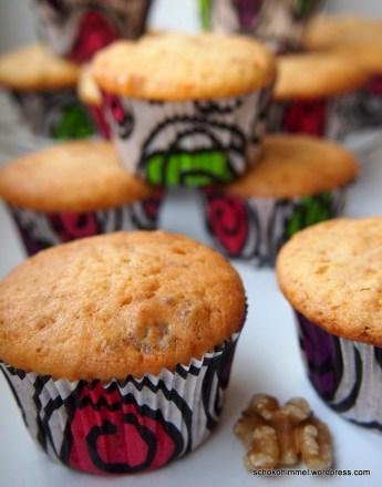 Cremige Muffins mit griechischem Joghurt und Walnüssen