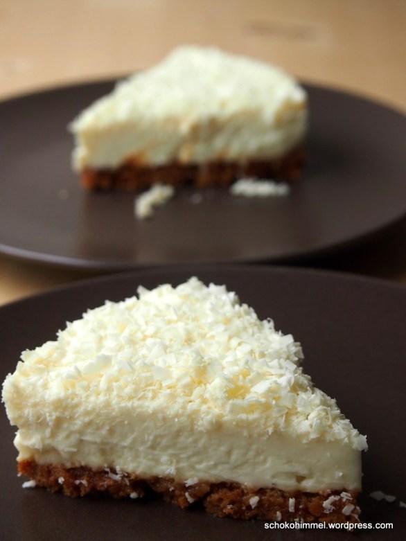 Cheesecake mit weißer Schoko und Amarettini-Boden
