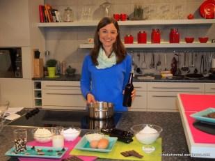 Gleich geht die Sendung los: Ich mache mich mit der Studio-Küche vertraut
