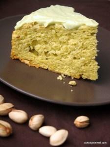 grüner Pistazien-Avocado-Kuchen