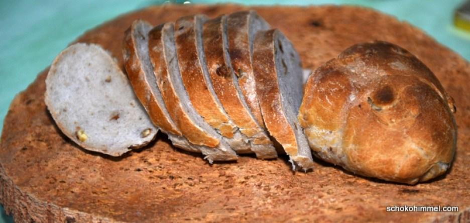 frisches Walnuss-Ciabatta