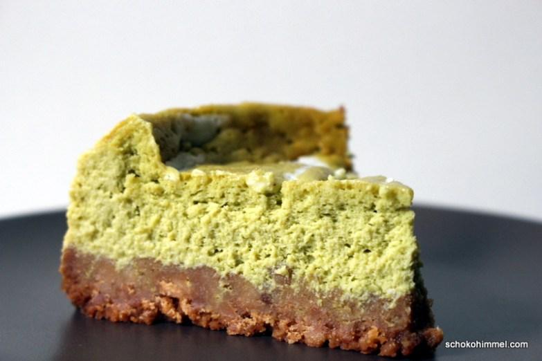 Matcha-Cheesecake mit Keksboden