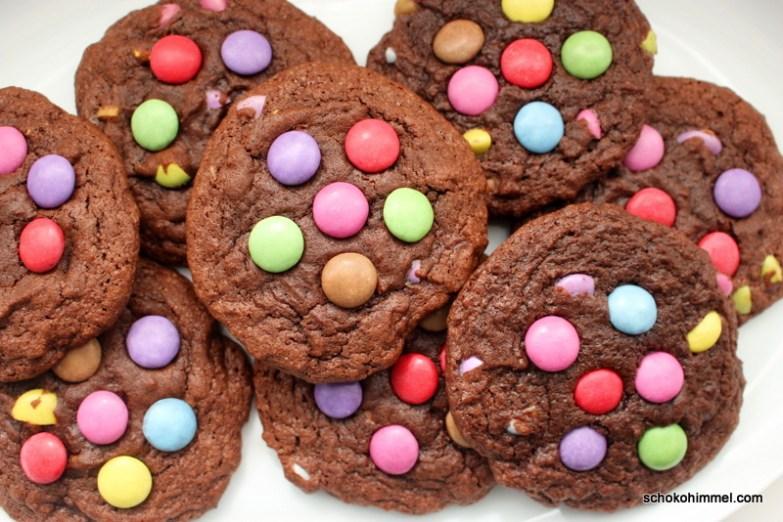 Schokoladige Smarties-Cookies