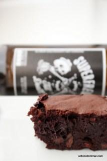 Superschokoladige Brownies mit dunklem Bier