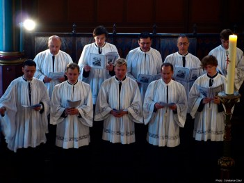 Confirmations 2012 à Saint-Eugène - les chantres de la Schola Sainte Cécile