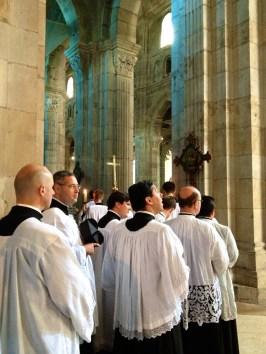Procession d'entrée du clergé.
