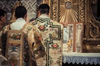1ère messe de M. l'Abbé Lacroix, fssp, à Notre-Dame-des-Victoires, le 3 août 2013 : début du canon