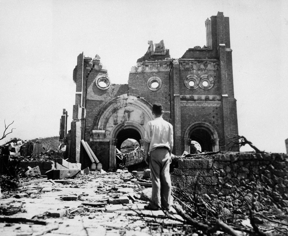 Et Dieu essuiera toutes les larmes de leurs yeux (Nagasaki - 9 août 1945)