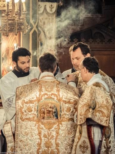 09-Immaculée Conception 2013 - imposition de l'encens par le célébrant avant l'évangile